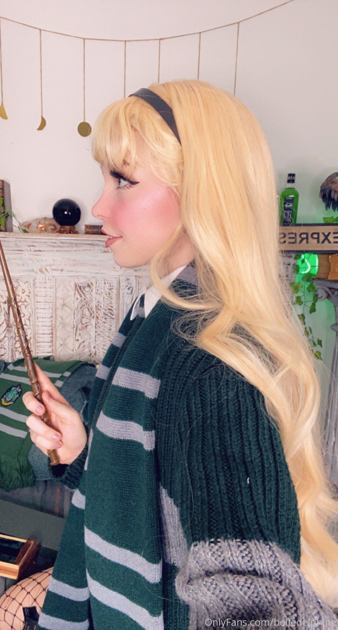 Belle Delphine Hogwarts Student Set 0039