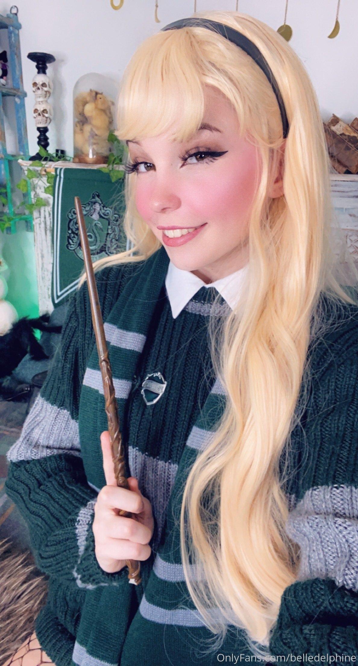Belle Delphine Hogwarts Student Set 0068