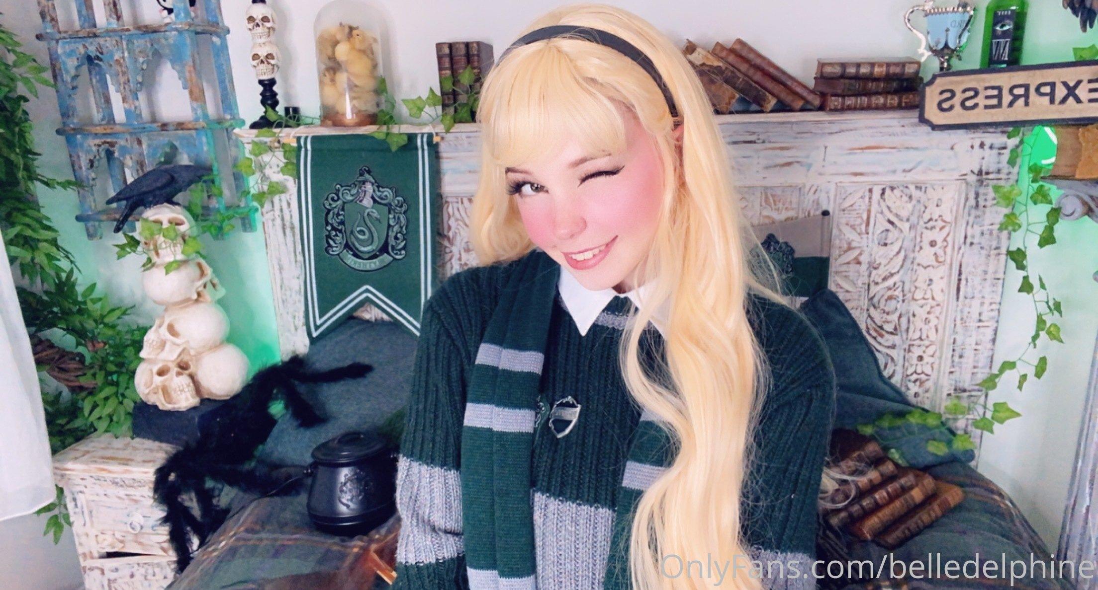 Belle Delphine Hogwarts Student Set 0069