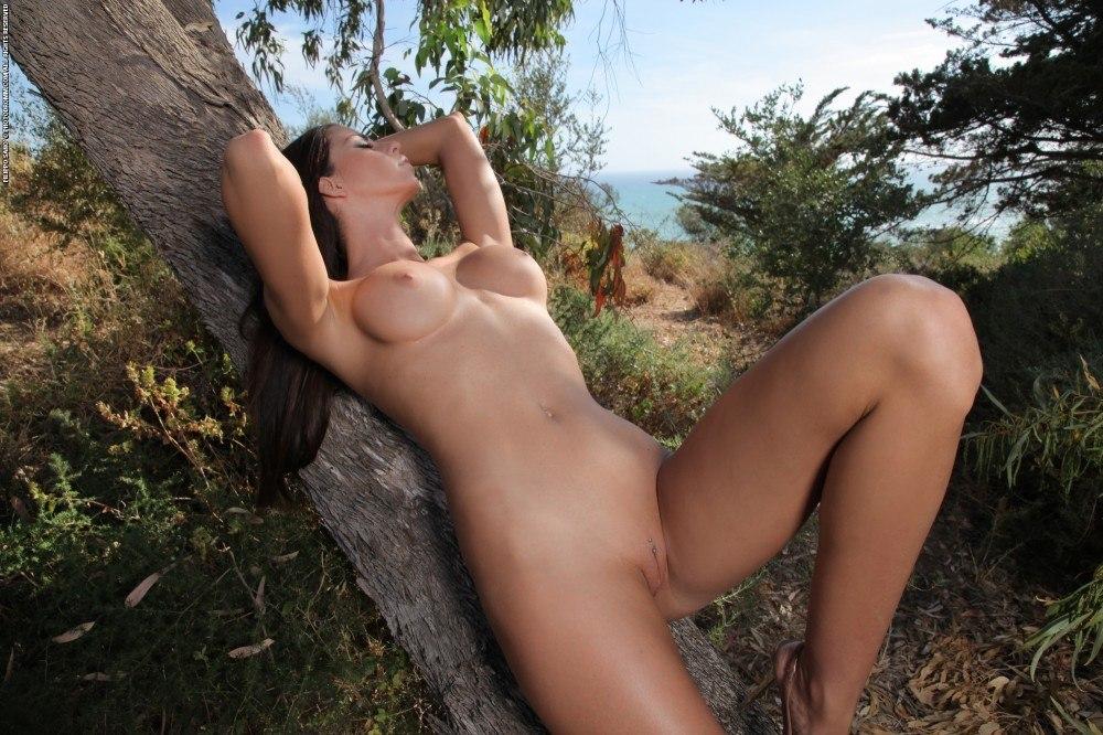 Laura nude free