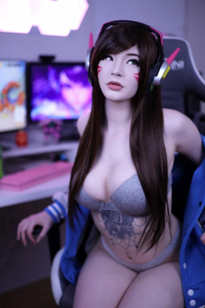 Lynie Nicole Nude D.va Cosplay 0079
