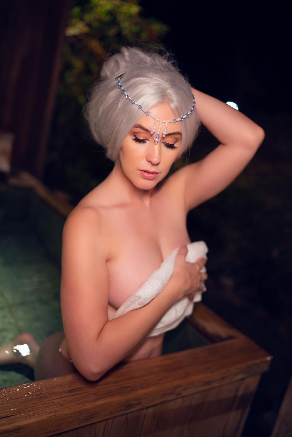 Meg Turney Onlyfans Nude Winter Goddess Onsen Leaked0008
