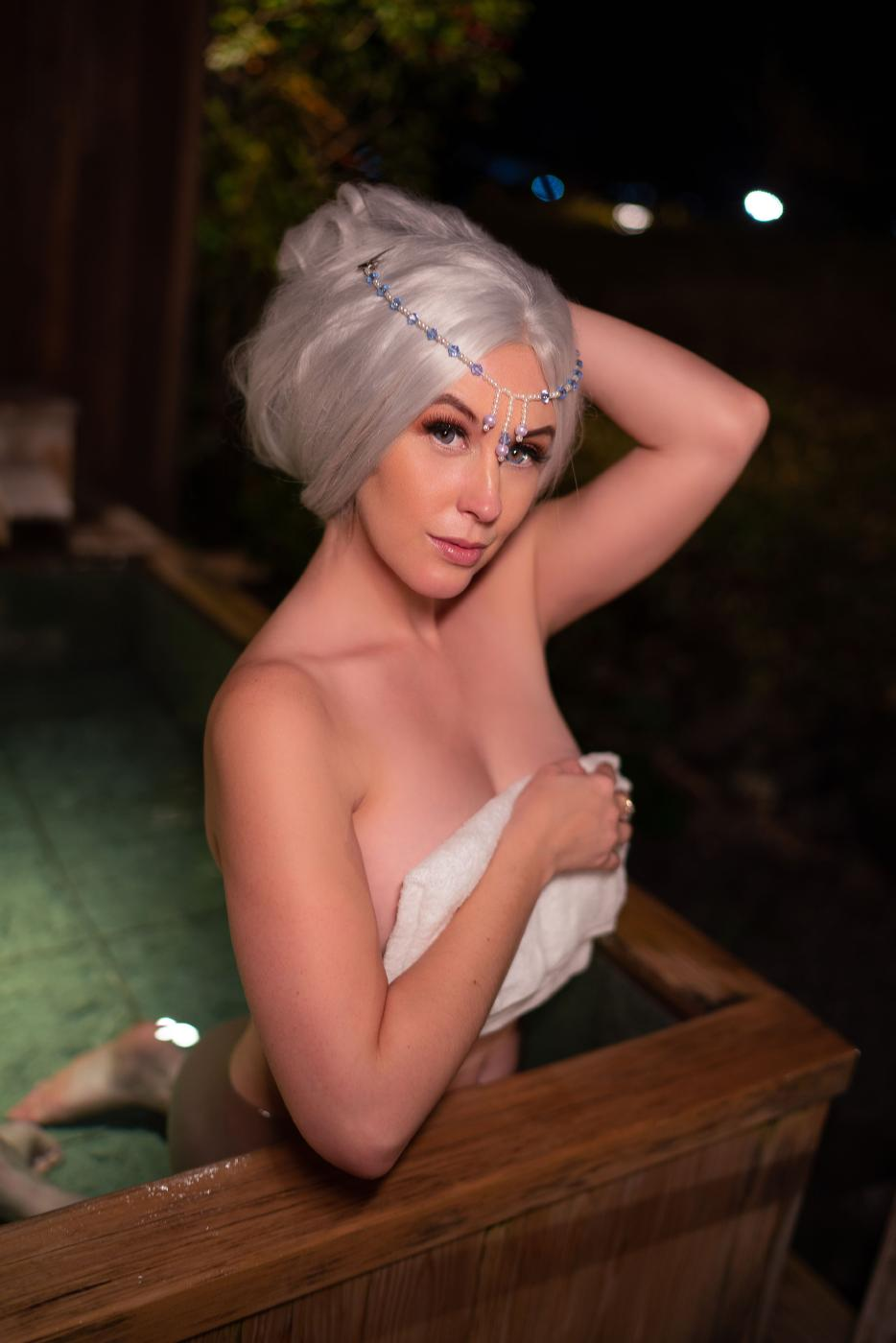 Meg Turney Onlyfans Nude Winter Goddess Onsen Leaked0010
